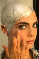Met Gala 2017 Cara Delevingne silver hair and makeup